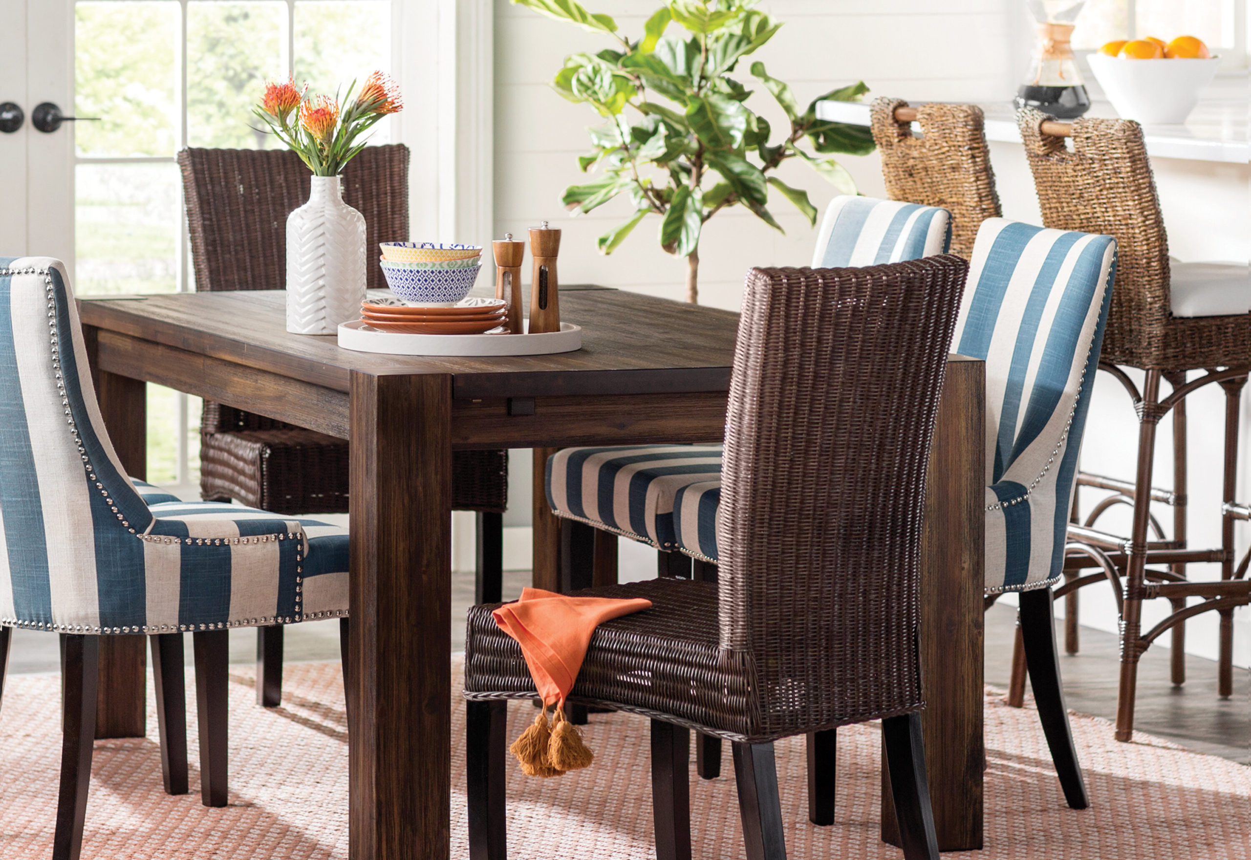 hints-on-picking-dining-room-furniture